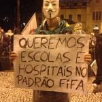 """""""Queremos escolas e hospitais no padrão Fifa"""""""