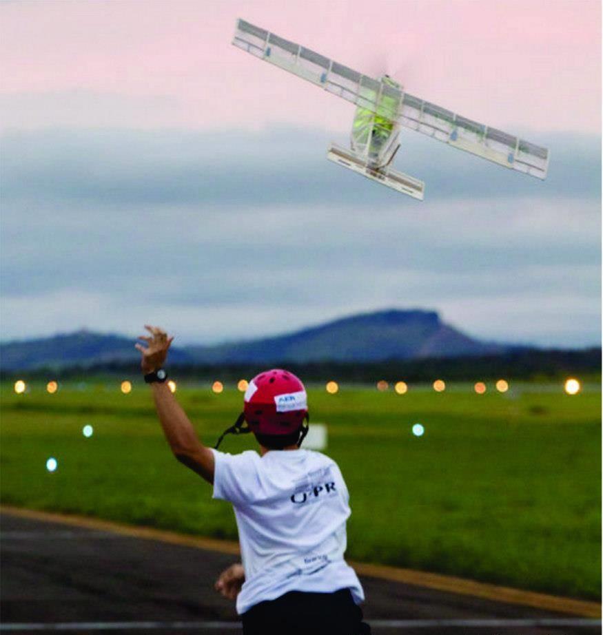 Aeronave da categoria Micro. Este ano, a aeronave transportar 40 bolinhas de tênis, não podendo estar presas entre si