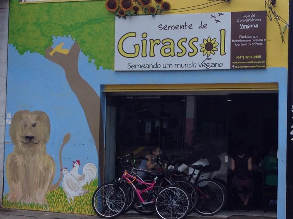 Armazém, restaurante e pizzaria. Semente de Girassol oferece opções veganas a partir de $7,90 (Foto: Monique Portela)