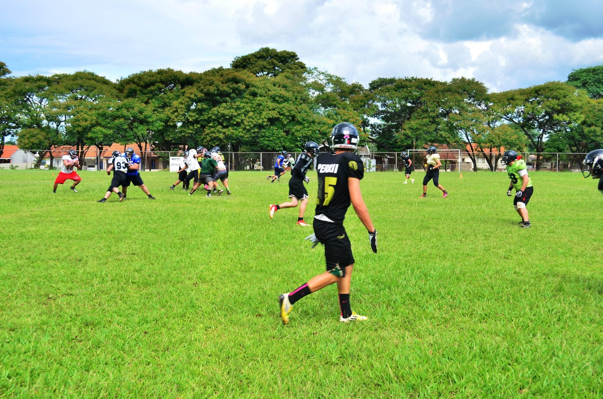 e09d2f9918 Jogadores do Black Sharks se preparam para estrear no campeonato paranaense  (Foto  Divulgação Foz do Iguaçu Black Sharks)