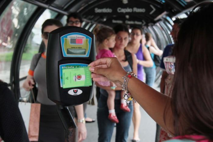Passagem para quem utiliza o cartão transporte será 15 centavos mais barata (Foto: Reprodução)