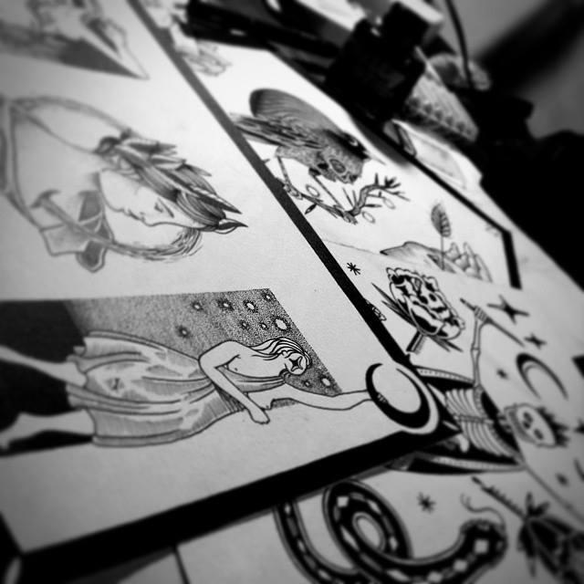 Algumas tatuagens que foram ofertadas no Black Sunday pelo tatuador André Cast, um convidado de Minas Gerais (Foto: Divulgação)