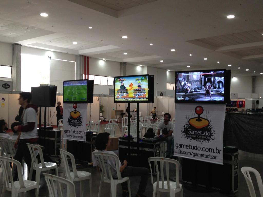 Campeonato de games é uma das atrações do show (foto: Luiza Guimarães)