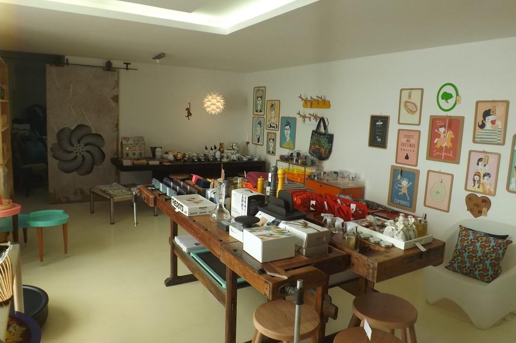 Interior da pop-up store da Ontwerp. (Foto: João Heim)