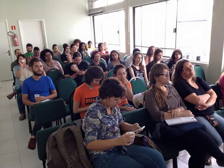 Integrantes do movimento na terceira reunião geral, que aconteceu na última quinta (16).  (foto: Vinícius Torresan)