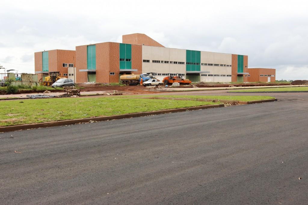 Hospital Regional de Toledo está sendo construído na Avenida da União, ao lado de onde será instalado o campus de Medicina da UFPR. (crédito da imagem: Prefeitura de Toledo)