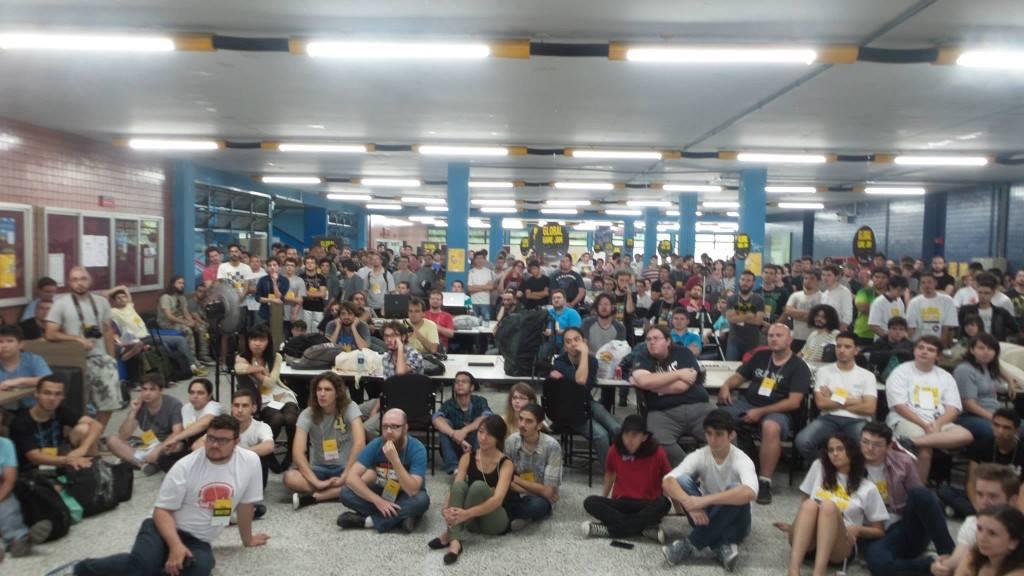 Global Game Jam reuniu em torno de 300 profissionais em Curitiba no campus da PUCPR, na edição de 2015. (Foto: Divulgação)