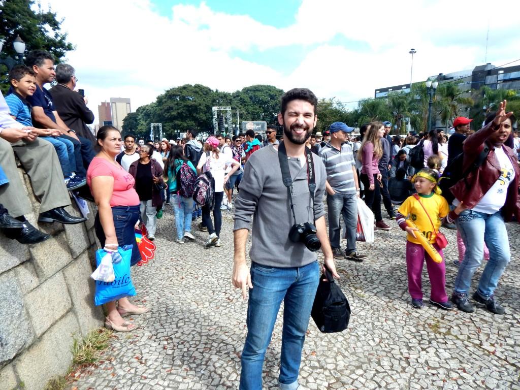 Evandro Augusto, 23 anos, foi curte e fotografa o evento (Foto: Helena Salvador)