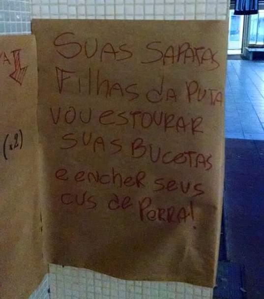 Cartazes ofensivos foram colados no Centro Politécnico (foto: CAFIL - Centro Acadêmico de Filosofia)