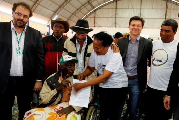 Em outubro de 2014 o INCRA, em ato solene realizado em Reserva do Iguaçu, assinou a portaria de reconhecimento do território do Paiol de Telha. (Foto/reprodução: mda.gov.br)