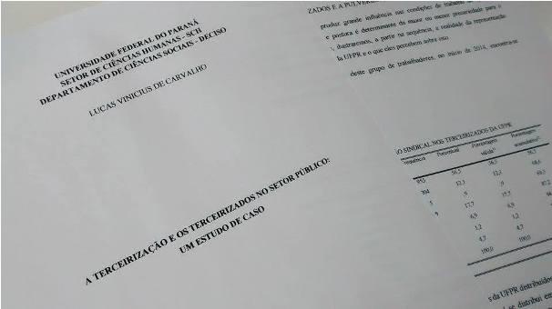 TCC do graduado em Ciências Sociais Lucas Carvalho, que analisou as condições dos terceirizados na UFPR. (crédito: Ana Letícia Branco Sowinski)