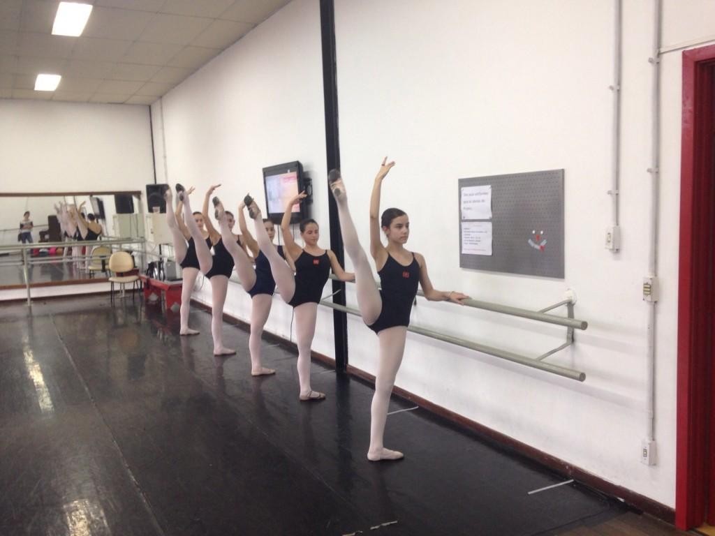 As bailarinas mais jovens têm mais chance de desenvolver distúrbios alimentares (Foto: Mariana Rosa)